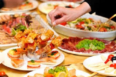 Immagine mangiare fuori casa
