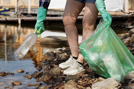 rifiuti plastica -nature-4202702_960_720