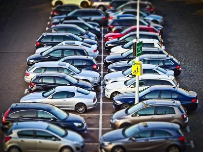 Glocal immagine parcheggi traffico