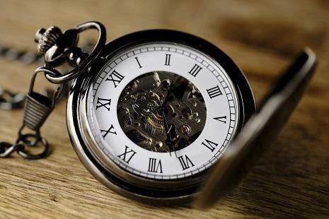 Glocal- clock-3179167_960_720