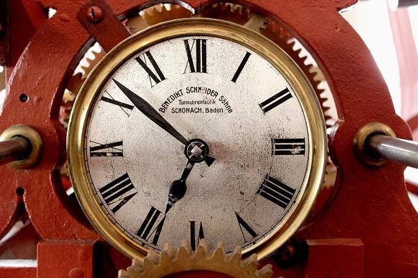 Glocal-tempo-clock-tower-190677_960_720